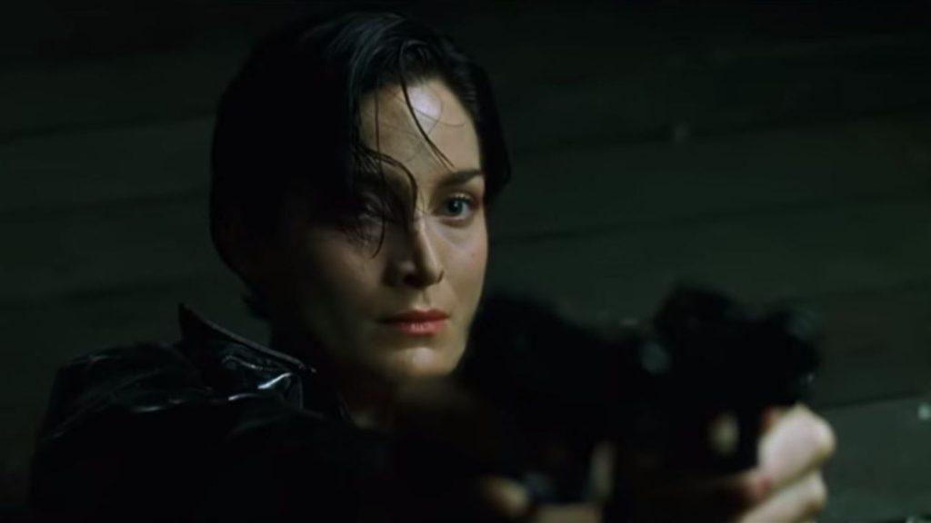 """Il y a deux ans est apparu le terme """"Trinity Syndrome"""", du nom du personnage de Matrix, pour désigner l'introduction d'un personnage féminin intéressant et extrêmement compétent qui est réduit au rang de bras droit du personnage principal masculin."""